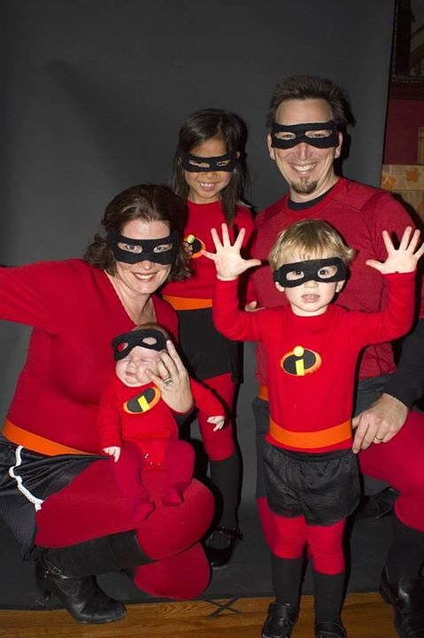 """As promised, here is the whole family in halloween costume. Including """"Jack-Jack Wuwa"""""""